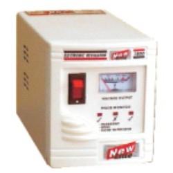 Reguladores de voltaje para equipos de oficina